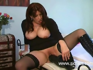 Mature amateur slut destroys her loose vagina with a gigantic black dildo...