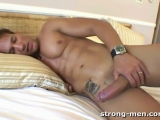A sexy straight muscle hunk jerking off.
