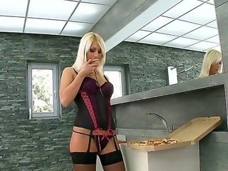 Perfect blonde Pamela Blond in super sexy lingerie seduces pizza deliveryman