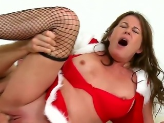 Booty babe with tight pussy wants to please her boyfriend and this time she...