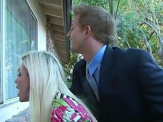 Diamond Foxxx babe wants to introduce her boyfriend Bill Bailey to her mom...