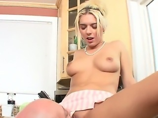A cute girl fucking a huge dick in trhe showervvvv