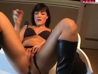 Hot Teeny Pussy 03
