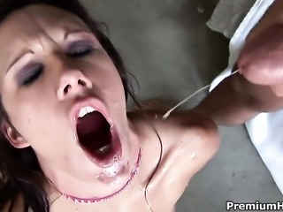 Taylor Rain wants this cumshot session to last forever