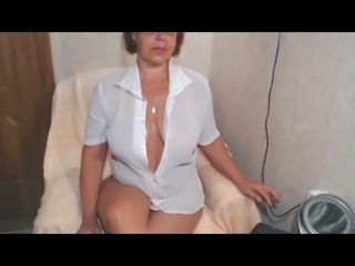 big mature ass on cam