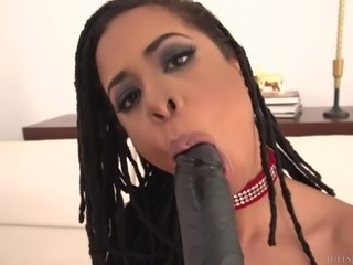 Kira Noir Takes His Every Inch