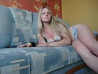 blondy play with pussy