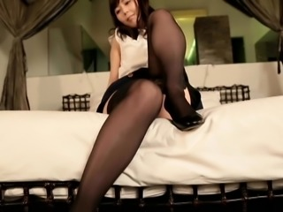 EMI Bedtime Beauty - Black Pantyhose (Non-Nude)