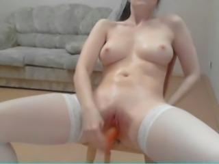 Russian beauty pee on webcam