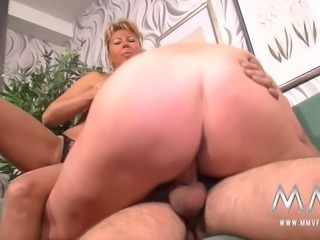 Nasty bitches with saggy titties giving double blowjob in kinky porn clip