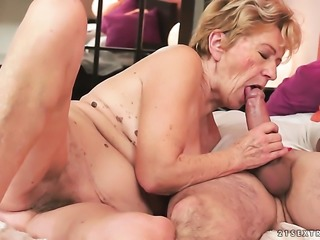 Mature with huge tits asks her fuck buddy to shove his hard tool in her mouth