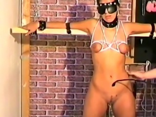 Sexy Brunnette gets her hot dose of bondage