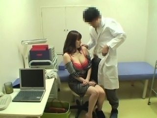 Shy Japanese girl is hot and her doctor manages to seduce her