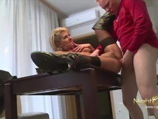 NIGHTCLUB - Echter deutscher Porno