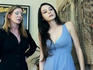 SEXYMOMMA - Teen photographer sucking pierced MILF pussy