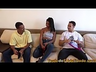 Bird Box parodia porno com Mirella Mansur