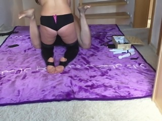My wife fucks my ass - ab mit dem Dildo in den Arsch