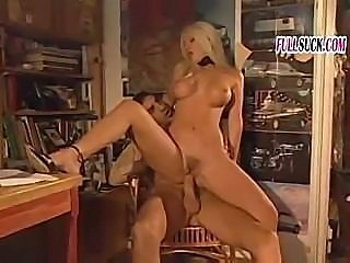 Gelida Manina is a hot Italian babe ready to do some fucking