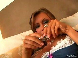 Beauty Crissy massaging her pussy