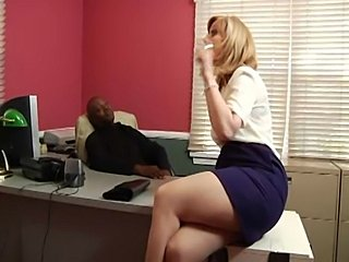 Nina Hartley analysed by a black stud