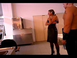 Perfect ass slut with pierced pussy in amazing kinkyaction with domino girl...