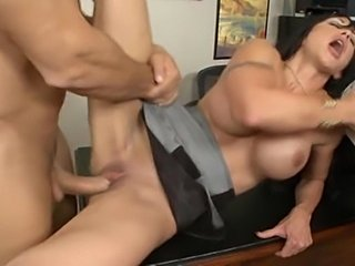 Busty brunette Jewels Jade serves a double fuck
